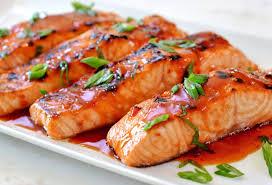 Ikan salmon (Kaya kandungan Vit D)